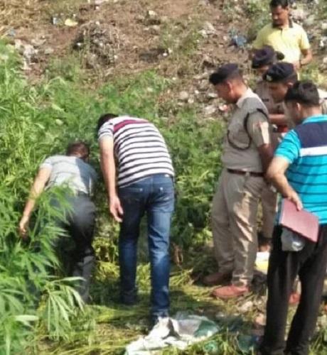 उत्तराखंड में युवक की हत्या कर शव को झाड़ियों में फेंका