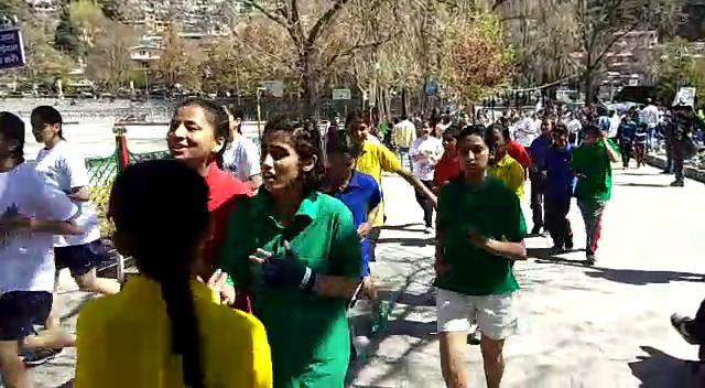 नैनीताल: नाबालिग बच्चियों ने अपनी सुरक्षा और अधिकारों के लिए लगाई दौड़