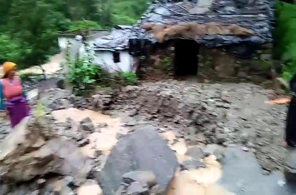 बड़ी खबर: बारिश का तांडव, चमोली में मरने वालों की संख्या पहुंची 6