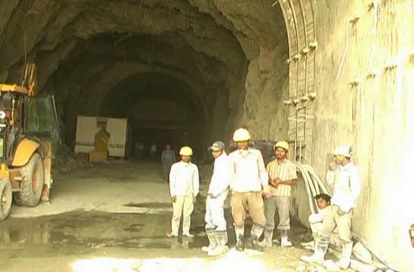 अलकनंदा हाइड्रो पावर के 90 कर्मचारियों पर स्थिति स्पष्ट नहीं