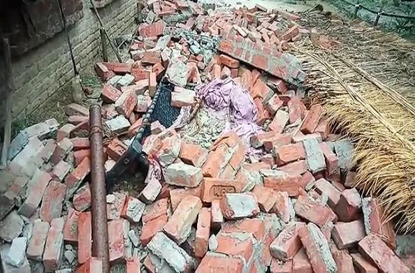 दीवार गिरने से युवक की मौत