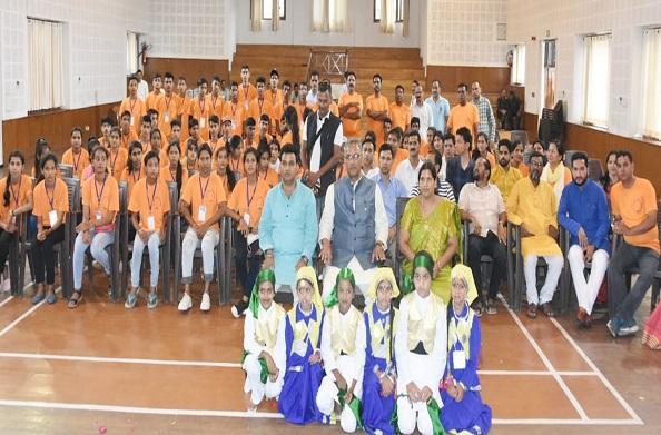 भारत दर्शन पर जा रहे हैं देवप्रयाग विधानसभा के मेधावी बच्चे… सीएम से भी की मुलाकात