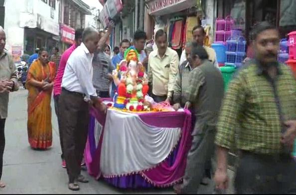 भगवान गणेश की शोभायात्रा… जमकर लगे गणपति बप्पा मोरिया के जयकारे