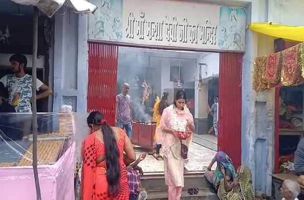 शारदीय नवरात्रि की रौनक… मनसा देवी मंदिर में उमड़ी भक्तों की भीड़