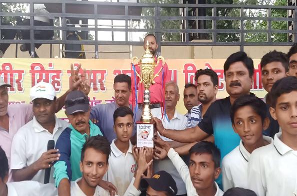 रणजीत सिंह तोमर की याद में मेमोरियल क्रिकेट टूर्नामेंट का आयोजन