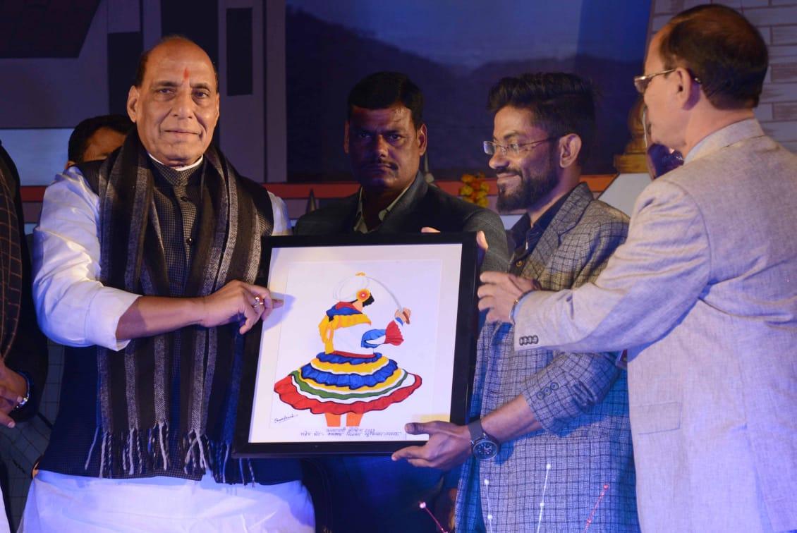 VIDEO: पिथौरागढ़ के शमशाद की पेंटिंग में दिखता है उत्तराखंड