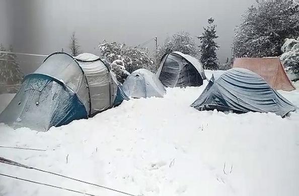चमोली: पहाड़ी इलाकों में भारी हिमपात… जन जीवन हुआ अस्त व्यस्त