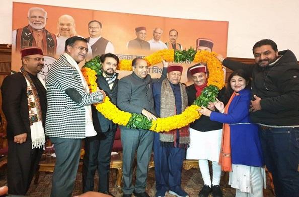 केंद्रीय मंत्री रमेश पोखरियाल निशंक पहुंचे हिमाचल प्रदेश