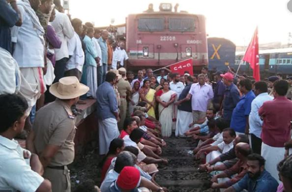 भारत बंदः कई जगहों पर लोगों को हो रही परेशानियां