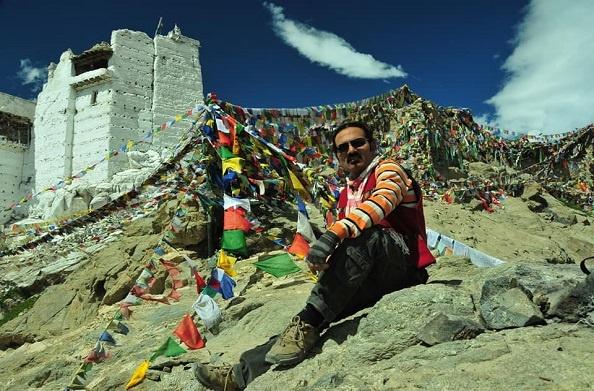 उत्तराखंड लोक गायक दरवान नैथवाल के दो गीत मचा रहे हैं धूम… पहाड़ों की खूबसूरती बयां करते हैं ये गीत…