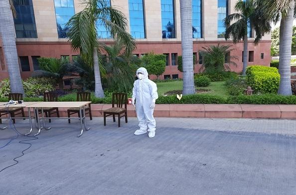 DRDO ने कोरोना संकट में जुटे डॉक्टरों के लिए तैयार किया जैविक सूट