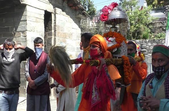 कैलाश को रवाना हुई रूद्रनाथ की डोली… 18 मई को खुलेंगे कपाट