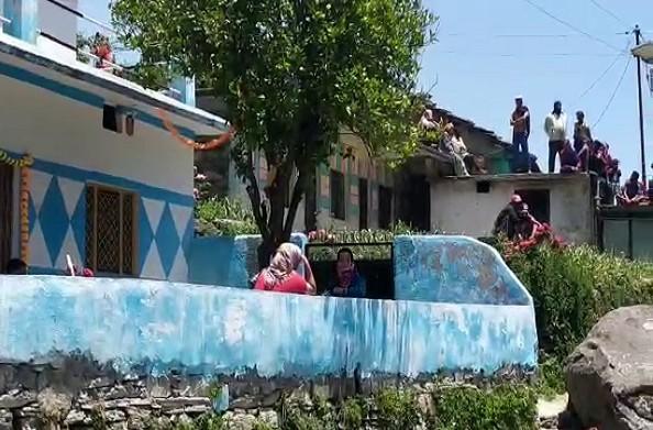 चमोली: अपने ही गांव में प्रवासियों को सहना पड़ रहा विरोध…