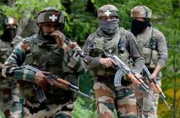 J&K: बिजबेहरा इलाके में आतंकी हमला, एक जवान शहीद, एक मासूम बच्चे की मौत