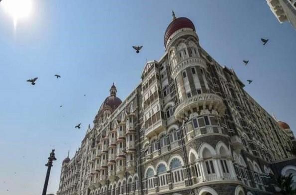 पाकिस्तान से मिली ताज होटल को बम से उड़ाने की धमकी, मुंबई पुलिस ने बढ़ायी ताज होटल की सुरक्षा