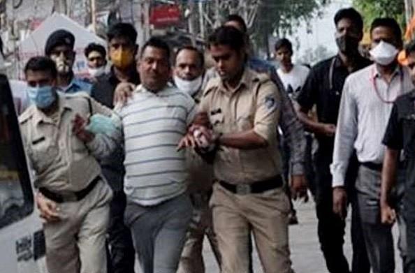 Kanpur Encounter: गैंगस्टर विकास दुबे ढेर, पुलिस गिरफ्त से भागने की कर रहा था कोशिश