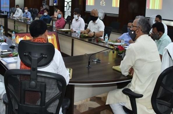 देहरादून: सीएम रावत ने 'ई-ग्रंथालय' का किया शुभारम्भ, कहा ई-ग्रन्थालय विद्यार्थियों के लिए बड़ी सौगात