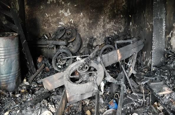 पौड़ी: गैराज की दुकान में लगी आग, लाखों के समान समेत दो बाइक जलकर खाक