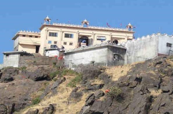 111 दिनों बाद खुला पावागढ़ मंदिर, बच्चों और बुजुर्गों की एंट्री बंद
