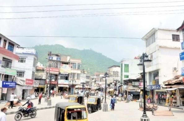 कोरोना के बढ़ते हुए महामारी के कारण मंडी जिले के ये चार बाजार रविवार तक बंद