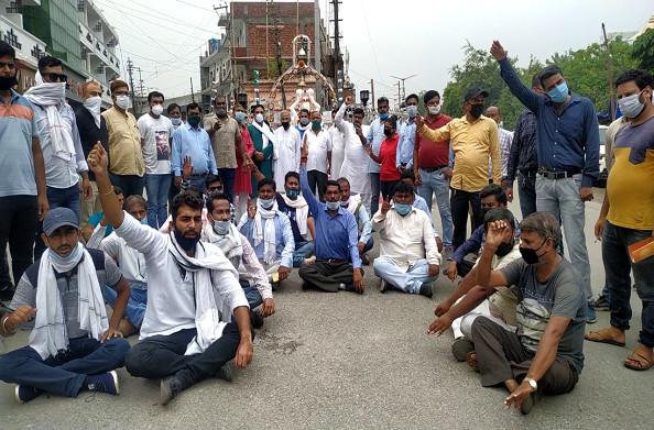 हरिद्वार: कांग्रेस ने किया धरना प्रदर्शन, कुंभ निर्माण कार्यों को लेकर जताई नाराजगी