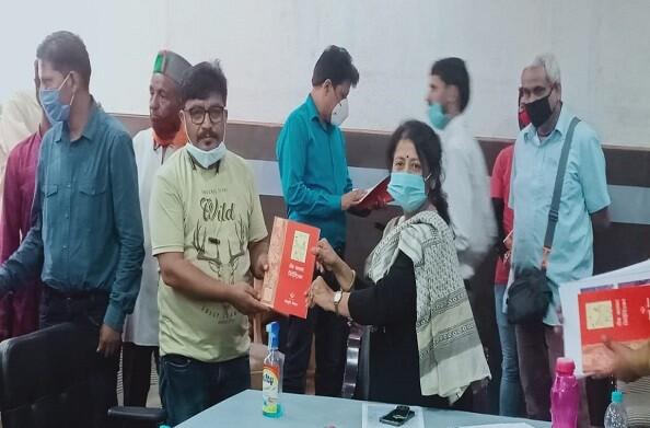 8 मांगों को लेकर उत्तराखंड फिल्म कलाकार संगठन ने की संस्कृति निदेशक बीना भट्ट से मुलाकात