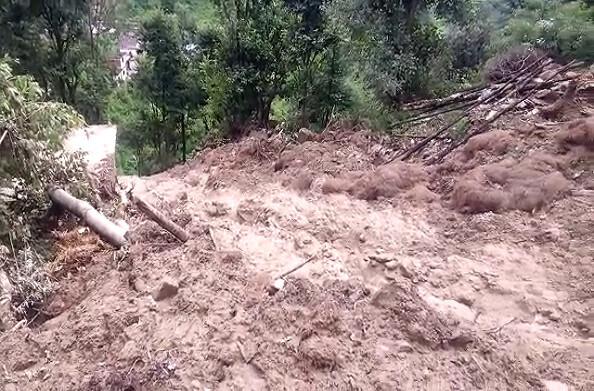 चमोली: पहाड़ में बारिश का कहर, बादल फटने से भारी तबाही