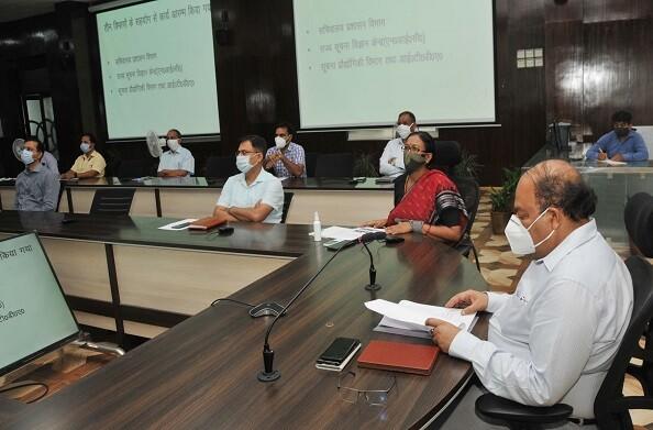 मुख्य सचिव ने ई-ऑफिस के जरिए की पत्रावलियों के निस्तारण की प्रगति की समीक्षा