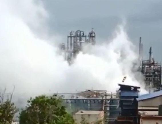 गैस लीकेज के कारण भरूच की केमिकल कंपनी में लगी आग