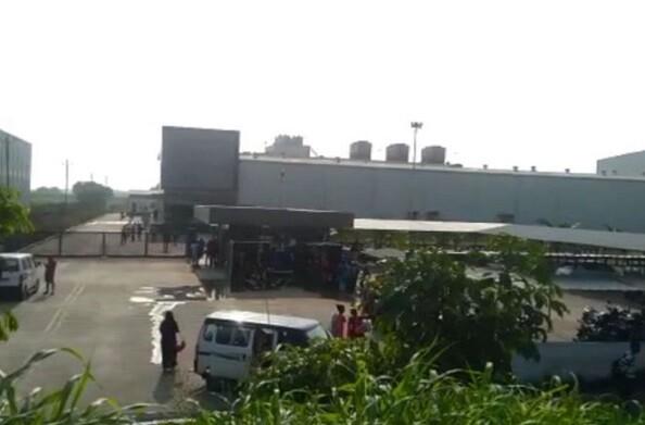 सूरत के झींगा फैक्ट्री में करवाई जा रही थी मजदूरी, झारखंड की 6 नाबालिग लड़कियों के साथ  30 महिलाओं को छुड़ाया