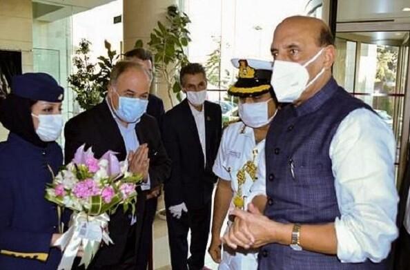 रक्षा मंत्री राजनाथ सिंह पहुंचे ईरान, द्विपक्षीय रक्षा संबंधों पर करेंगे चर्चा