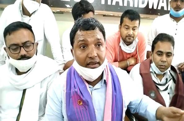 हरिद्वार में युवा कांग्रेस के राष्ट्रीय अध्यक्ष ने की प्रेसवार्ता, सरकार पर लगाया वादाखिलाफी का आरोप