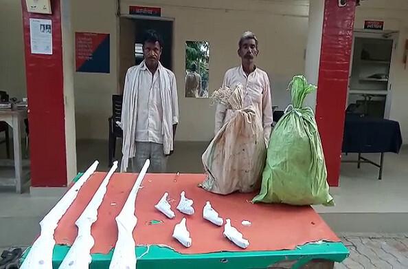शाहजहांपुर: अवैध शस्त्र बनाने वाली फैक्ट्री का भंडाफोड़, दो शातिर अभियुक्त गिरफ्तार