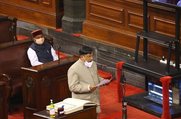 नरेश बंसल ने उत्तराखंड राज्यसभा सांसद के तौर पर ली शपथ, CM त्रिवेंद्र ने भी दी बधाई