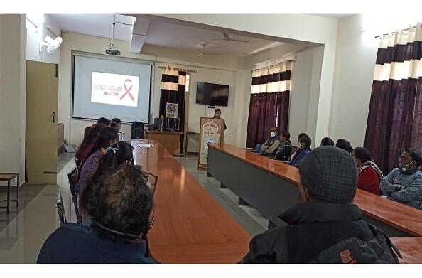 थत्यूड़: एड्स से बचाव के लिए रेड रिबन क्लब और राष्ट्रीय सेवा योजना इकाई ने किया गोष्ठी का आयोजन