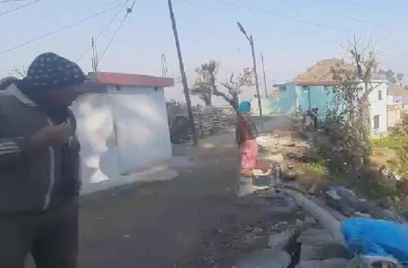 श्रीनगर गढवाल से 10 किमी दूर गहड़-बुघाणी मोटरमार्ग खस्ताहाल, लंबे समय से चल रहा है चौड़ीकरण का काम