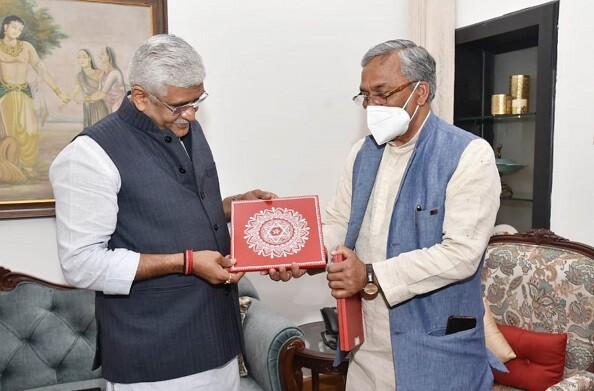 दिल्ली: केन्द्रीय जलशक्ति मंत्री गजेन्द्र सिंह शेखावत से मुख्यमंत्री त्रिवेंद्र ने की मुलाकात