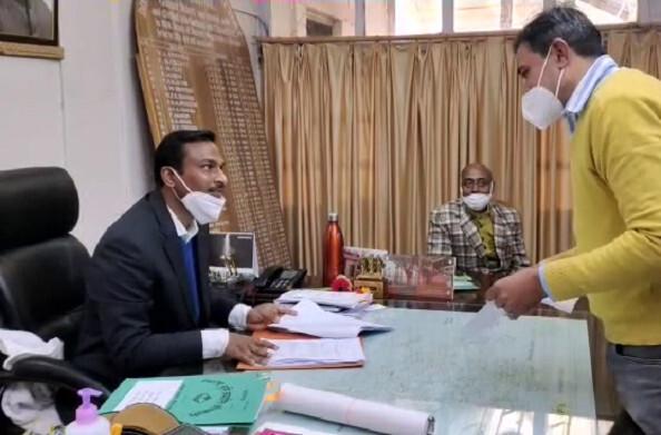 पौड़ी: नवनियुक्त जिलाधिकारी विजय कुमार जोगदण्डे ने संभाला कार्यभार, गिनाईं प्राथमिक्ताएं