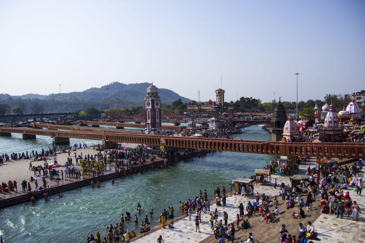 गंगा जल हो रहा लगातार प्रदूषित, गंगा का पानी आचमन के लिए साफ नहीं