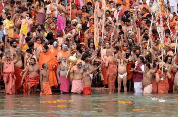 हरिद्वार:  13 लाख 50 हजार से अधिक लोगों ने गंगा में लगाई पवित्र डुबकी