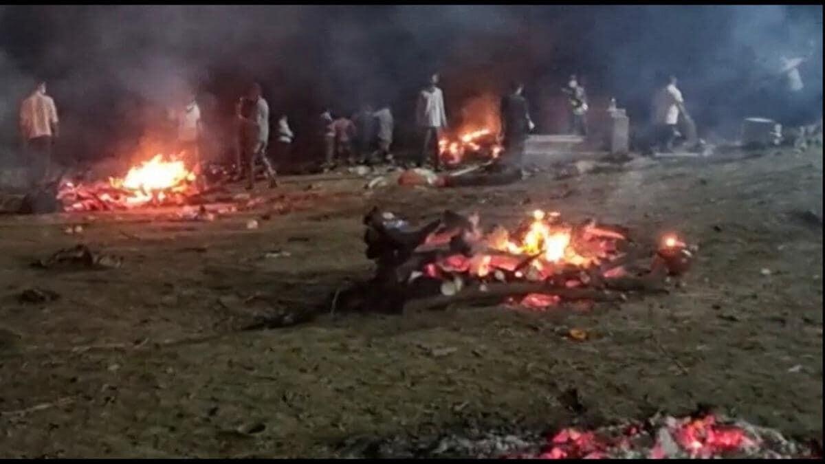 गुजरात: डायमंड सिटी में कोरोना से सैकड़ों मौत, शमशान हुए फुल