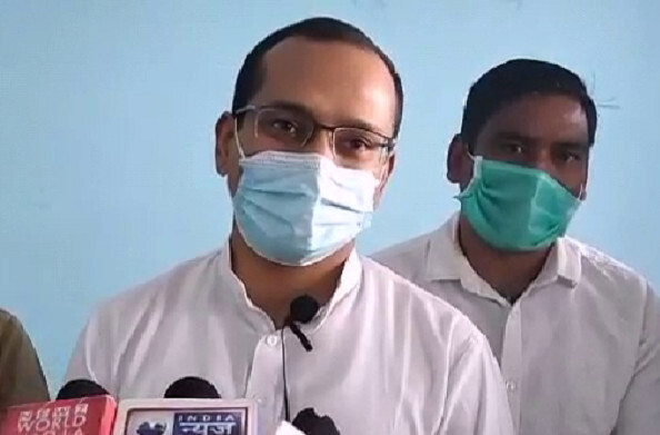 पौड़ी गढ़वाल में देश के राष्ट्रीय सुरक्षा सलाहकार अजीत डोभाल के पुत्र सौर्य डोभाल अपने एकदिवसीय दौरे पर अपने पैतृक गॉंव पहुँचे.
