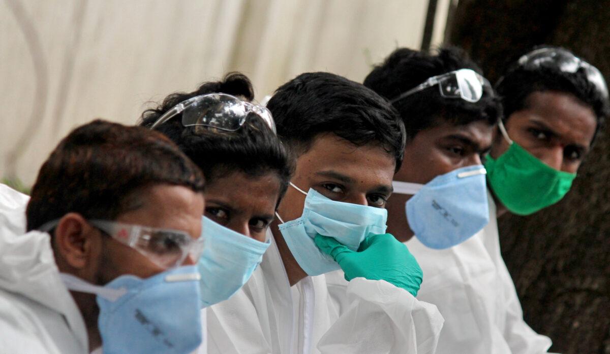 उत्तराखंड : बीते 24 घंटे में उत्तराखंड में कुल मिलाकर 22 लोग कोरोनावायरस संक्रमित मिले, 5 जिलों से एक भी केस नहीं