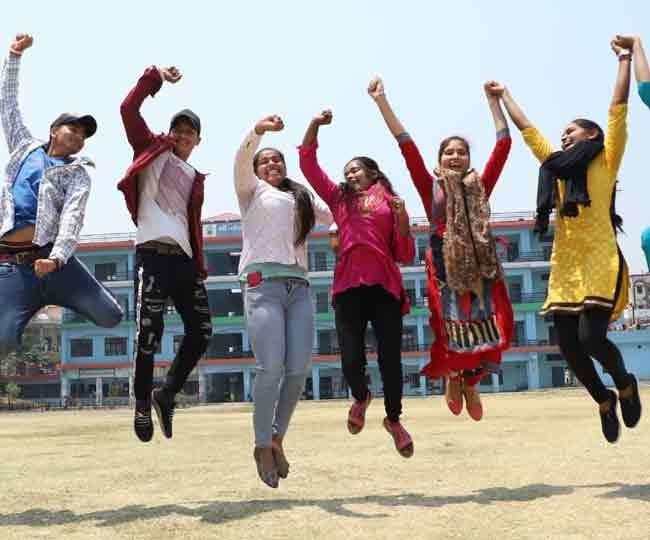 उत्तराखंड बोर्ड परीक्षा 2021 का परीक्षाफल घोषित, शिक्षा मंत्री ने दी विद्यार्थियों को शुभकामनाएं,दसवीं में लड़के तो 12 वीं में लड़कियां आगे
