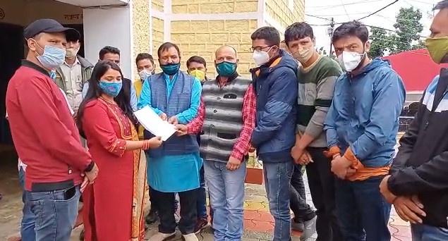 बद्रीनाथ धाम में नमाज पढ़ने को लेकर लोगों में भारी आक्रोश
