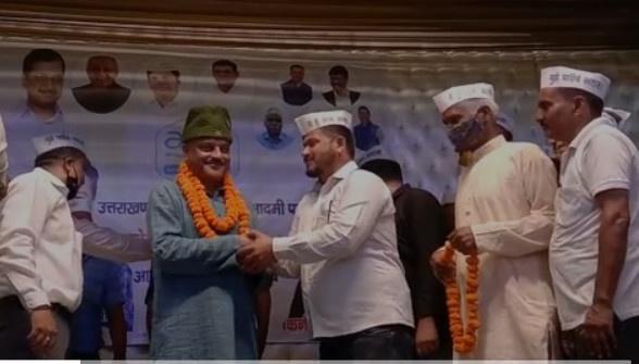 कर्नल अजय कोठियाल पहुंचे कोटद्वार,ढोल नगाड़ों व फूल मालाओं से हुआ उनका भव्य स्वागत