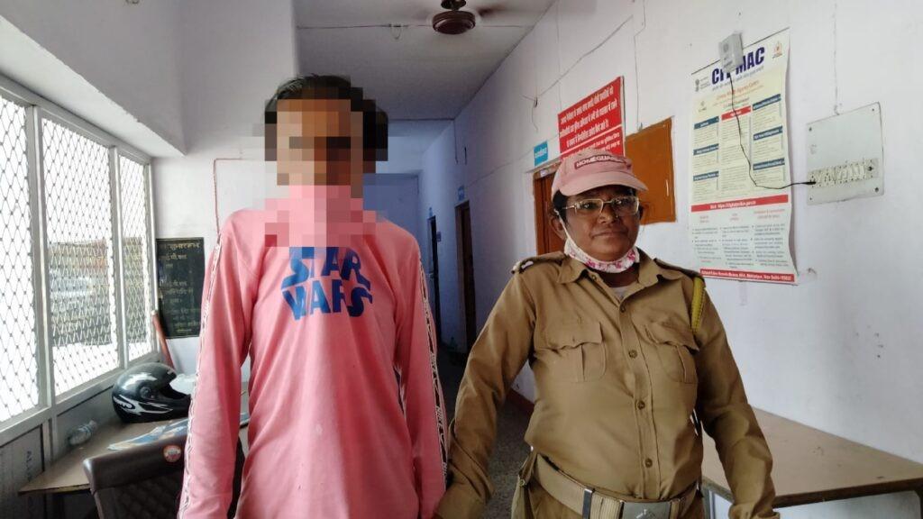 हल्द्वानी : महिला होमगार्ड ने दिखाई बहादुरी, चोर को तीसरी मंजिल से धर दबोचा,दिया जाएगा सम्मान