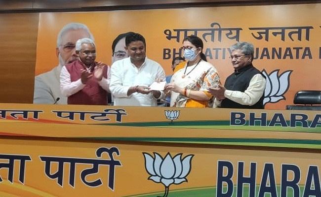 बड़ी खबर : भीमताल विधानसभा से निर्दलीय विधायक राम सिंह कैड़ा हुए बीजेपी में शामिल